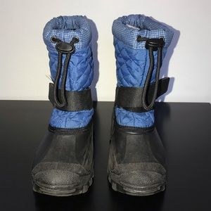 Khombu snow boots. In good condition.